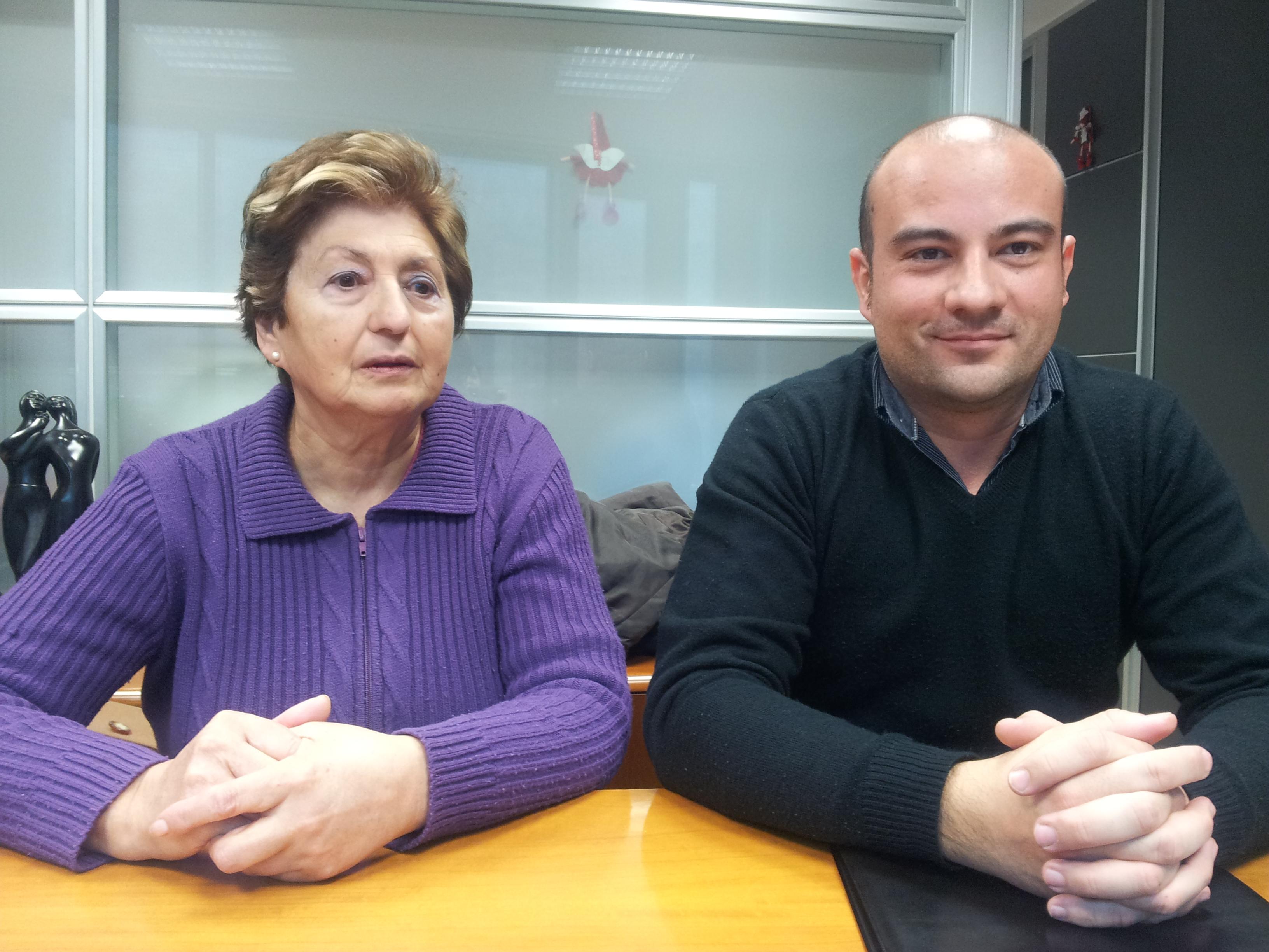 MariPaz y el Alcalde en la Notaría de Sigüenza
